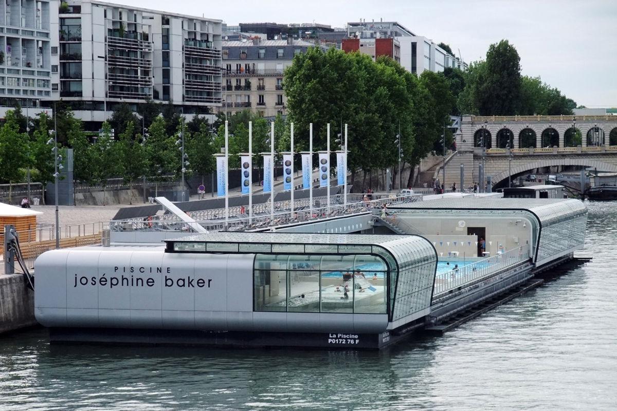 Plongez dans ces 5 piscines parisiennes de l 39 t for Piscine josephine baker