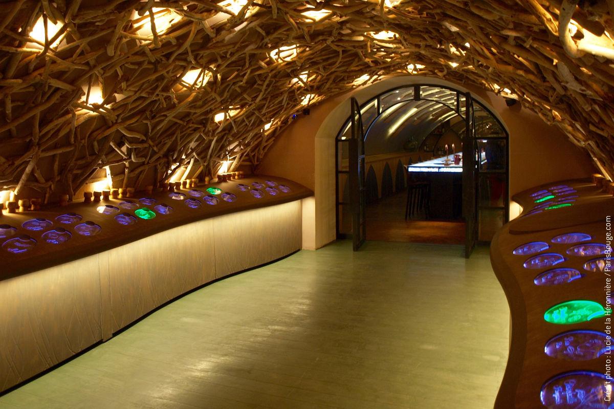 les caves du louvre un nouveau lieu pour mieux comprendre le vin. Black Bedroom Furniture Sets. Home Design Ideas