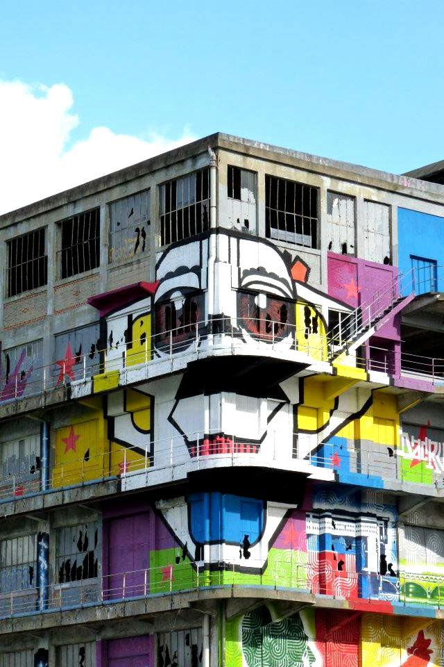street art marko 93 et dacruz partagent l 39 affiche du loft du 34. Black Bedroom Furniture Sets. Home Design Ideas