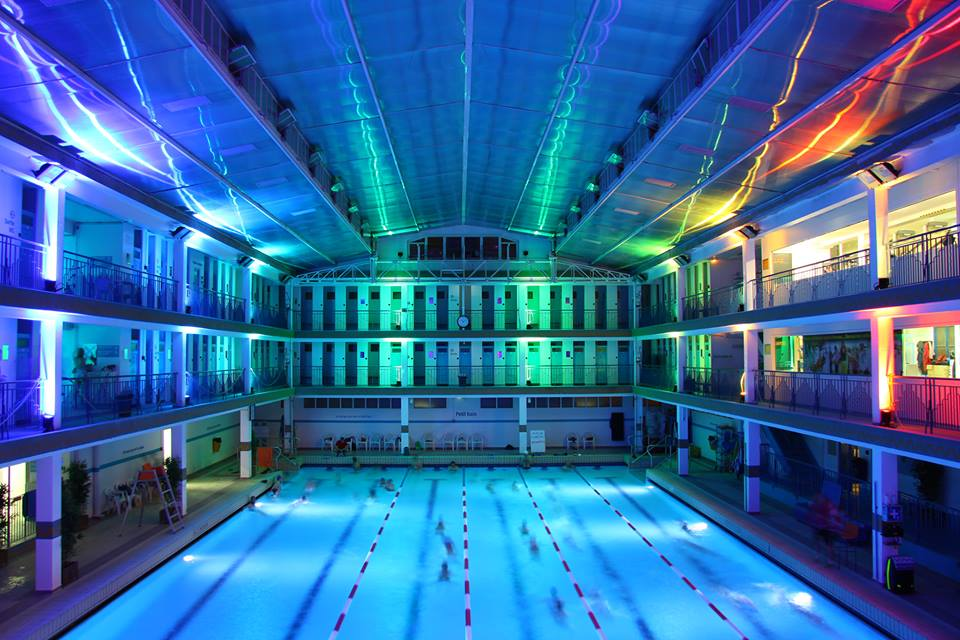 Les 10 plus belles piscines paris for Piscine pontoise
