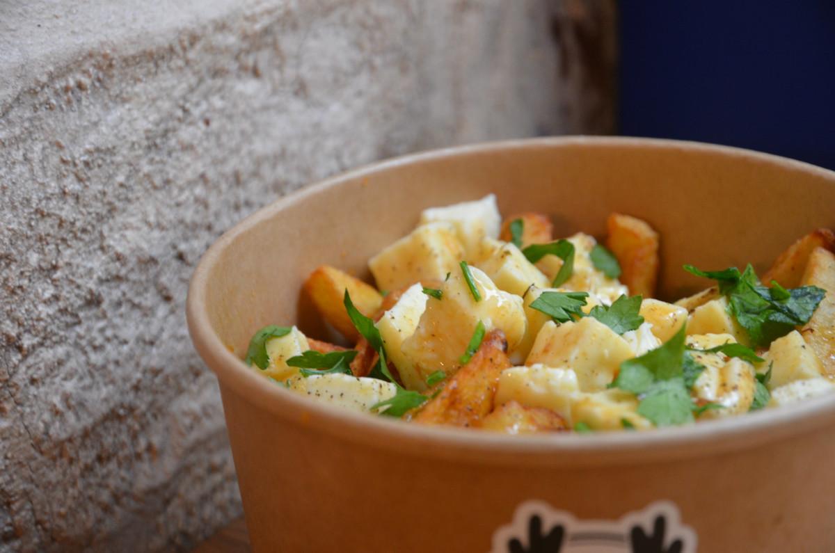La maison de la poutine d barque paris - Cultiver des champignons de paris a la maison ...