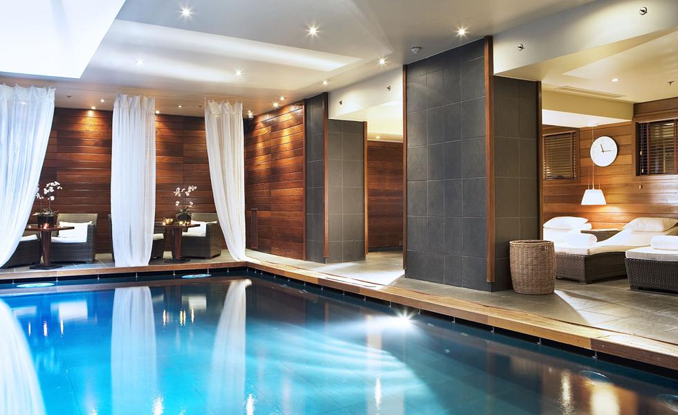 Top 5 des spas haut de gamme paris for Sauna piscine paris