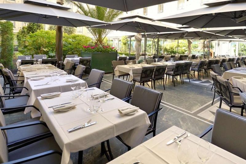 Les Terrasses du Safran et du Purple bar à l'Hôtel Hilton